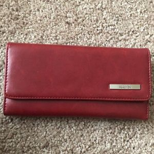 NWOT Kenneth Cole Reaction Leather Wallet